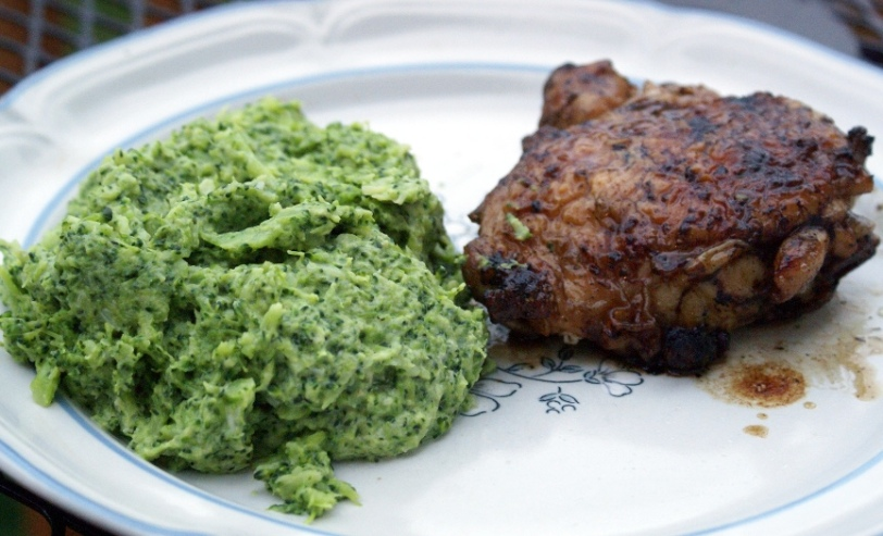 Garlic Mashed Broccoli with Grilled Chicken