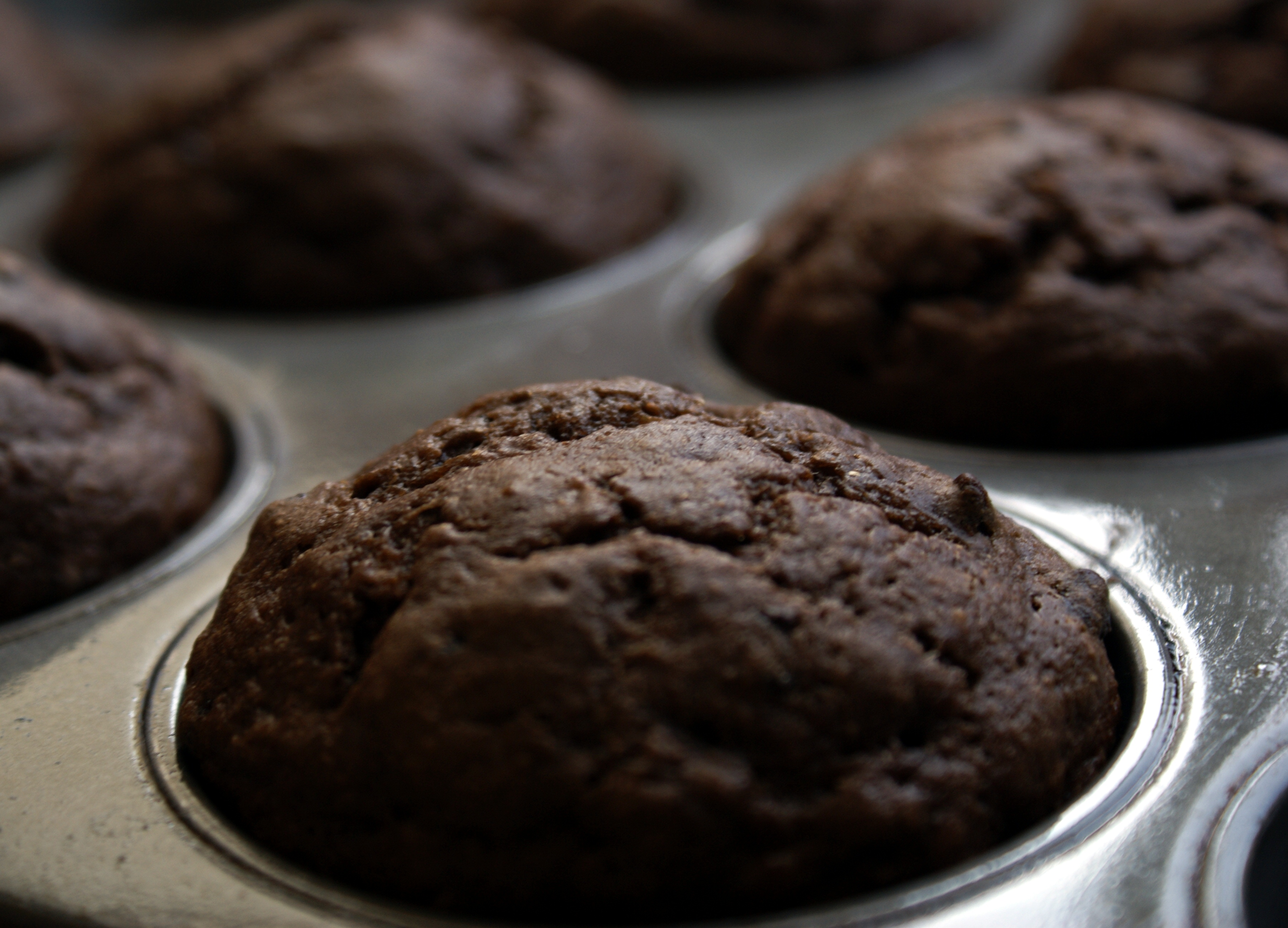 Ultra Low-Fat Double Chocolate Banana Muffins-makes 7-8 large muffins: