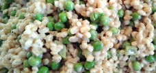 Barley, bell pepper, and pea summer salad
